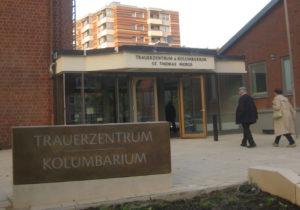 Eingang zum Kolumbarium und Trauerzentrum St. Thomas Morus