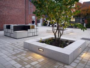 Blick vom Trauerzentrum in den »Paradiesgarten«